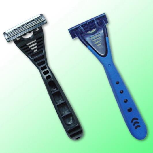 R318 triple blade razor